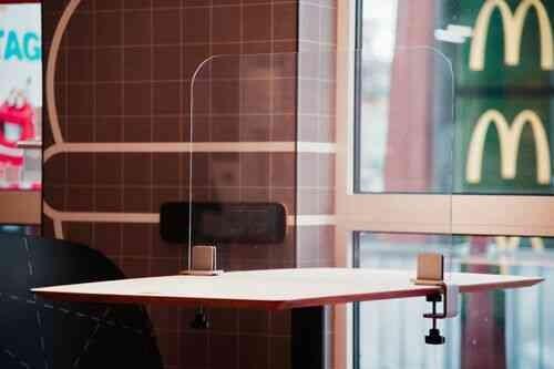Hygieneschutzwand, Schutzscheiben für Restaurant, Büro u.a. aus bruchfestem PET